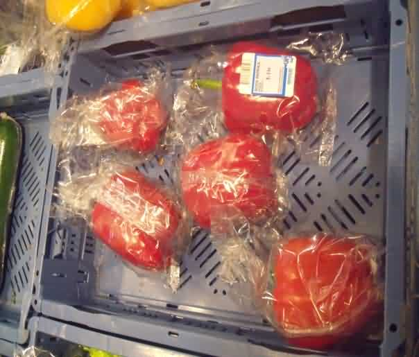 Polythene packaging of single Capsicum